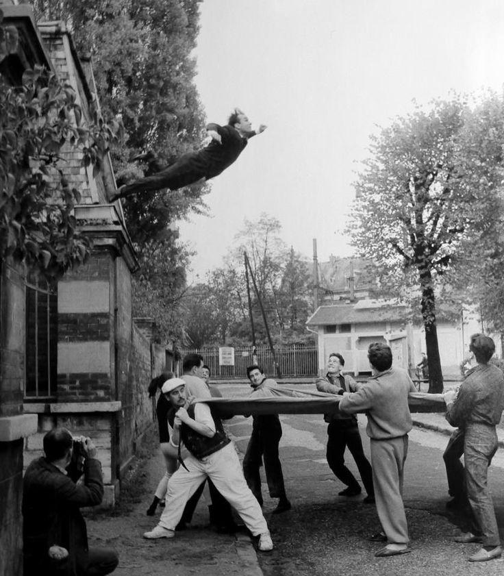 © Yves Klein, ADAGP, Paris; Photo: Shunk-Kender © Roy Lichtenstein Foundation. Image via the Metropolitan Museum of Art