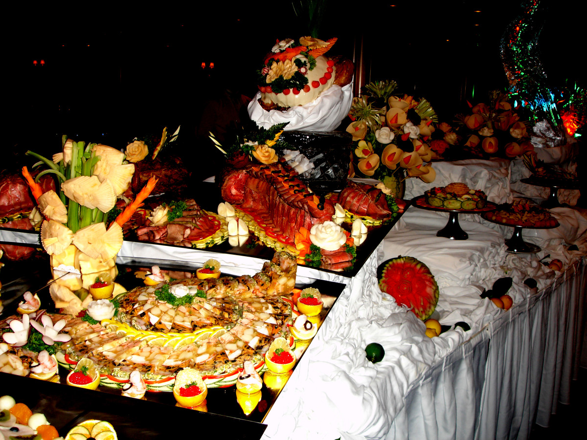 By Jim G from Silicon Valley, CA, USA - DSC01216, Midnight Buffet, Celebrity Cruise Ship Century, CC BY 2.0, https://commons.wikimedia.org/w/index.php?curid=2194023