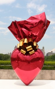 Jeff Koons, Sacred Heart, żródło: https://www.flickr.com/photos/thegirlsny/2599703866