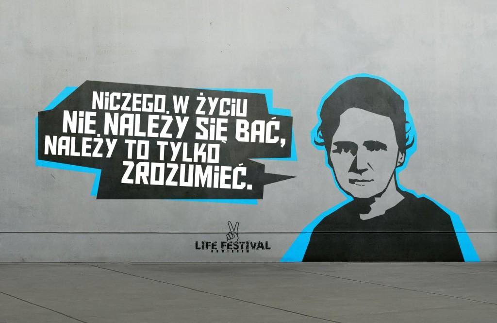 """jedna z """"Gadających głów"""", murali zdobiących Oświęcim od 2012 roku, projekt: Mateusz Makarewicz, wykonanie: Tomasz Kiek"""