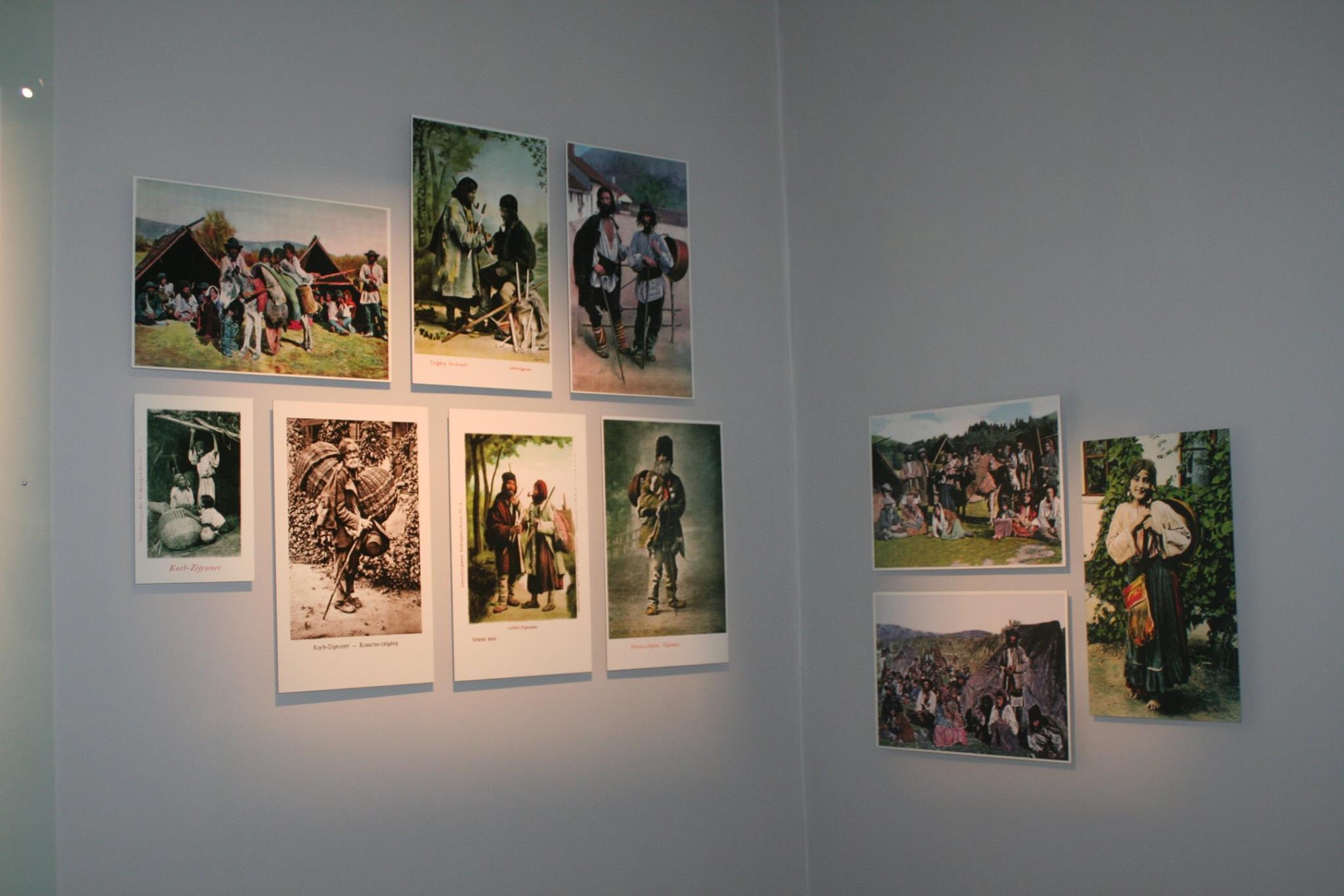 """wystawa """"Romowie - historia i kultura"""" w siedzibie Stowarzyszenia Romów w Polsce"""