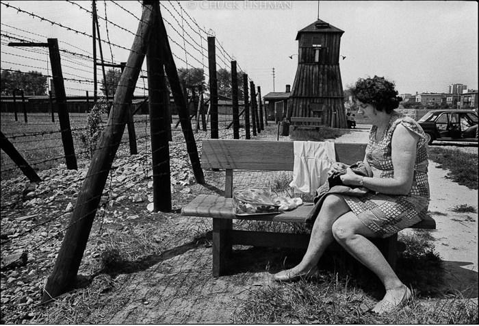 Obóz koncentracyjny na Majdanku, wojenny ośrodek przymusowej pracy i zabijania. Większość oryginalnych budynków i terenów obozu pozostaje nienaruszona. Lublin 1975