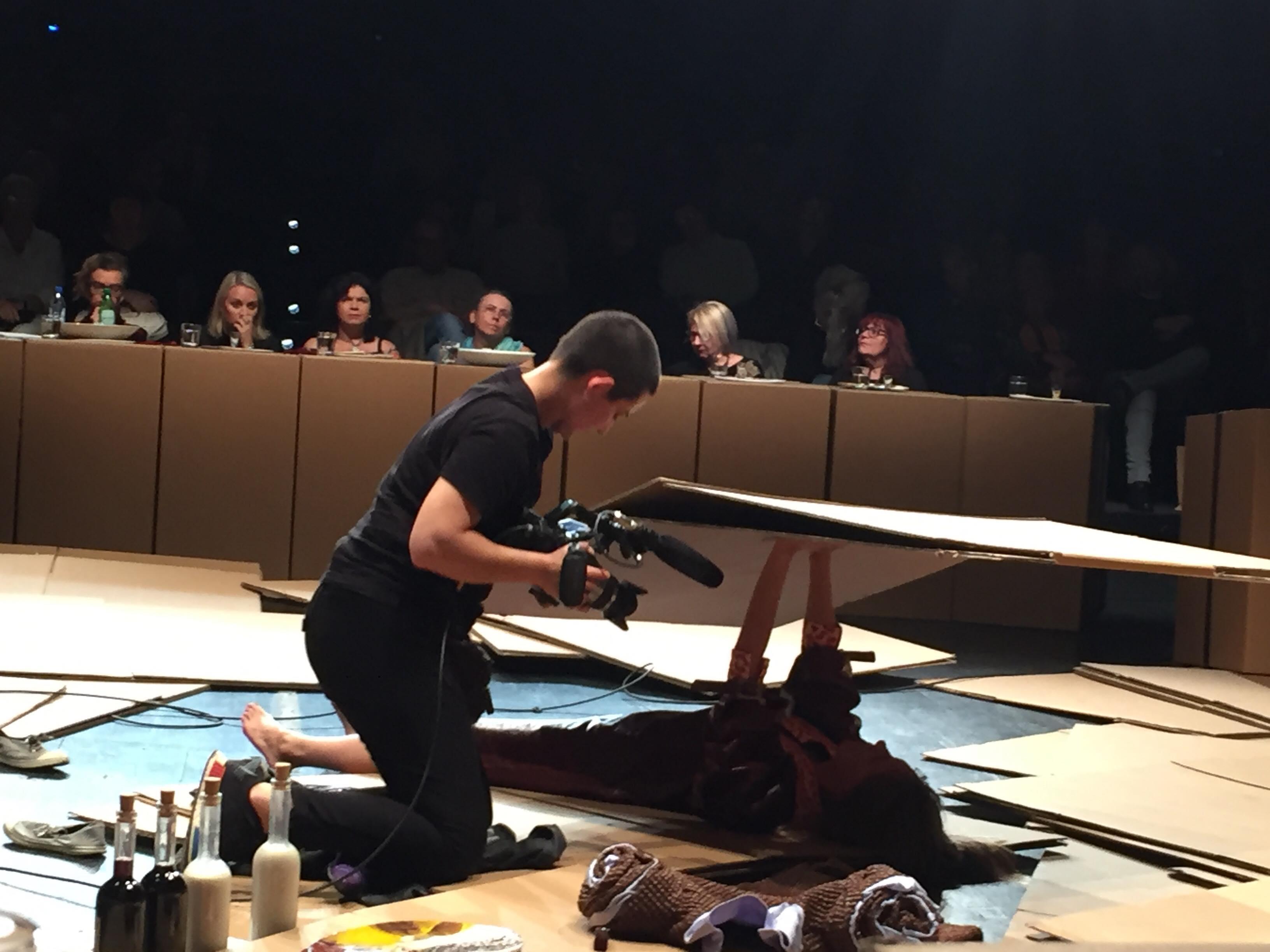 podczas performensu Anny Baumgart, Sprawa kobieca w Polsce, Łódź 2018, Teatr Nowy, Festiwal Łódź Czterech Kultur, premiera 8 września 2018